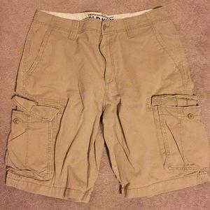 Beige Old Navy Men's size 33 cargo shorts